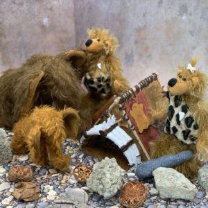 Bärino Familie BÄRandertaler mit 2 Mammuts und Haus ( 5 teiliges Set)